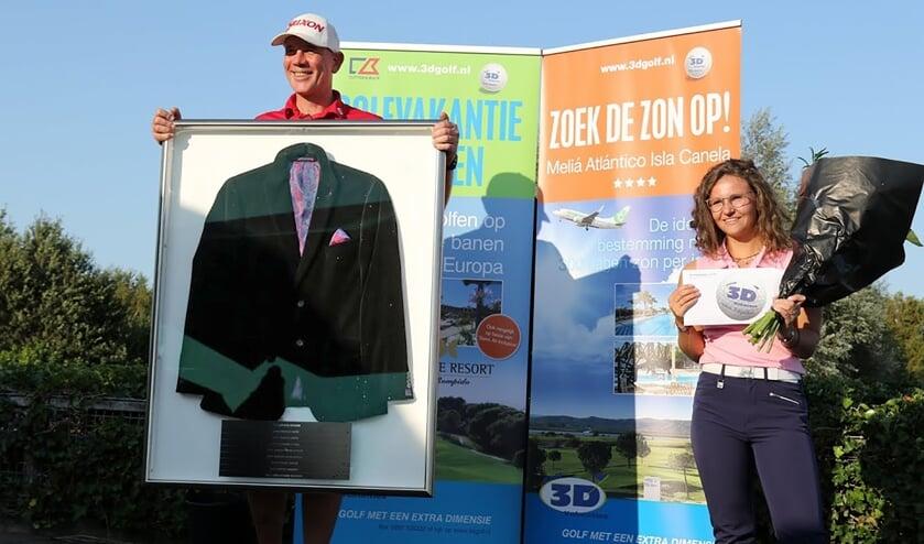 Erwin Mulder en Judith van der Voort als trotse winnaars van het Liemeer Open.