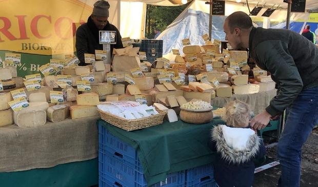 MAKS' Biomarkt: een kleinschalige (streek)markt met biologische en duurzame producten van lokale ondernemers.