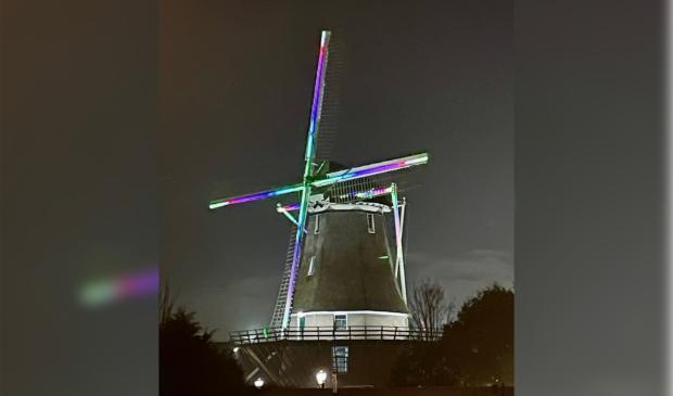 <p>De molen van Sloten in de sfeer van het nieuwe jaar.</p>