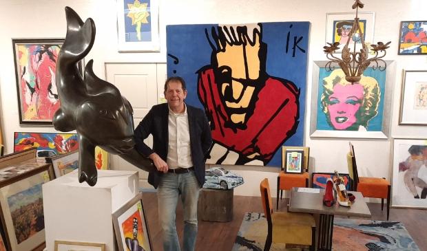 <p>Rogier Jonk sluit de huiskamer van Bergen</p>