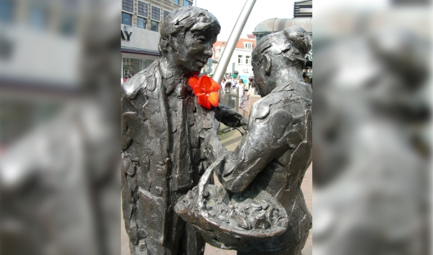 <p>Beeld &#39;Haarlems Bloemenmeisje&#39; - Het Verwulft.</p>