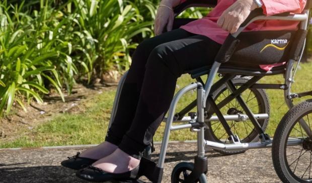 <p>Fietsen, een boek lezen of een ommetje maken met de rolstoel.</p>