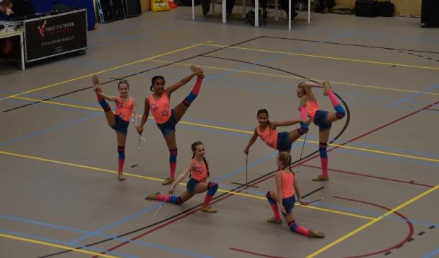 <p>De jongste leden in actie. Een van de laatste twirl wedstrijden bij De Boomtoppers.</p>