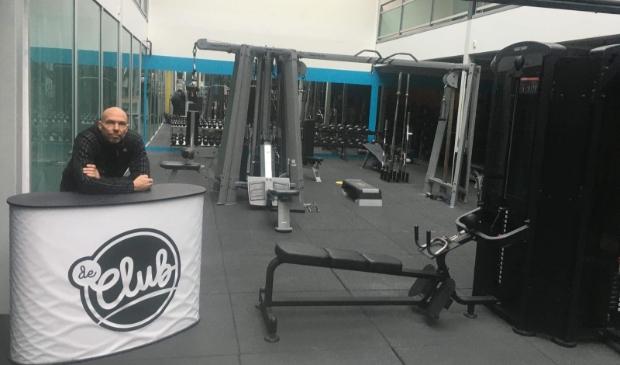 <p>Mede-eigenaar Jasper de Knegt in Sportcentrum De Club. Hier wordt al weken niet meer getraind.</p>