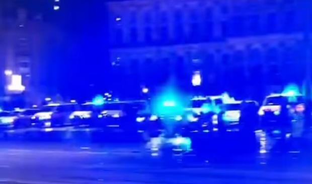 <p>De politie zet massaal hun zwaailicht aan voor zieke Melissa</p>
