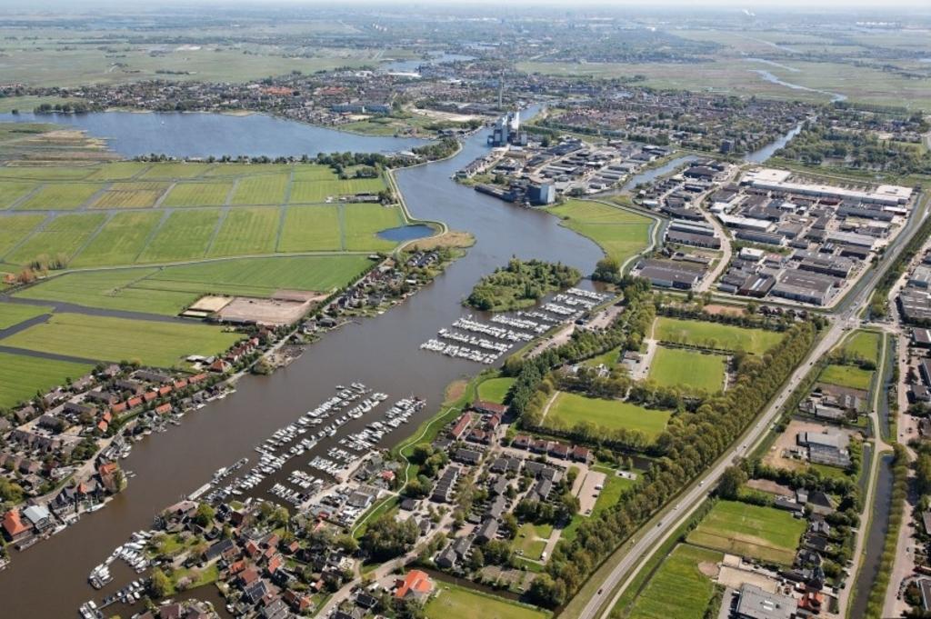 <p>Luchtfoto vanuit West-Knollendam.</p> <p>(Foto: aangeleverd)</p> © rodi
