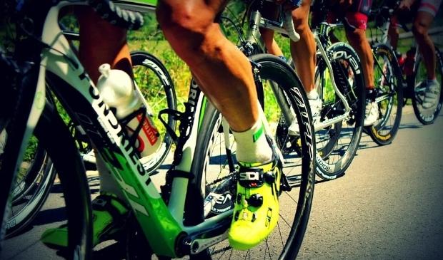 <p>Tijdens IRONMAN staat ook het onderdeel fietsen op het programma.</p>