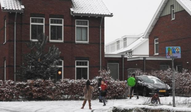 <p>Bij Duin & Bosch sneeuwballen gooien.</p>