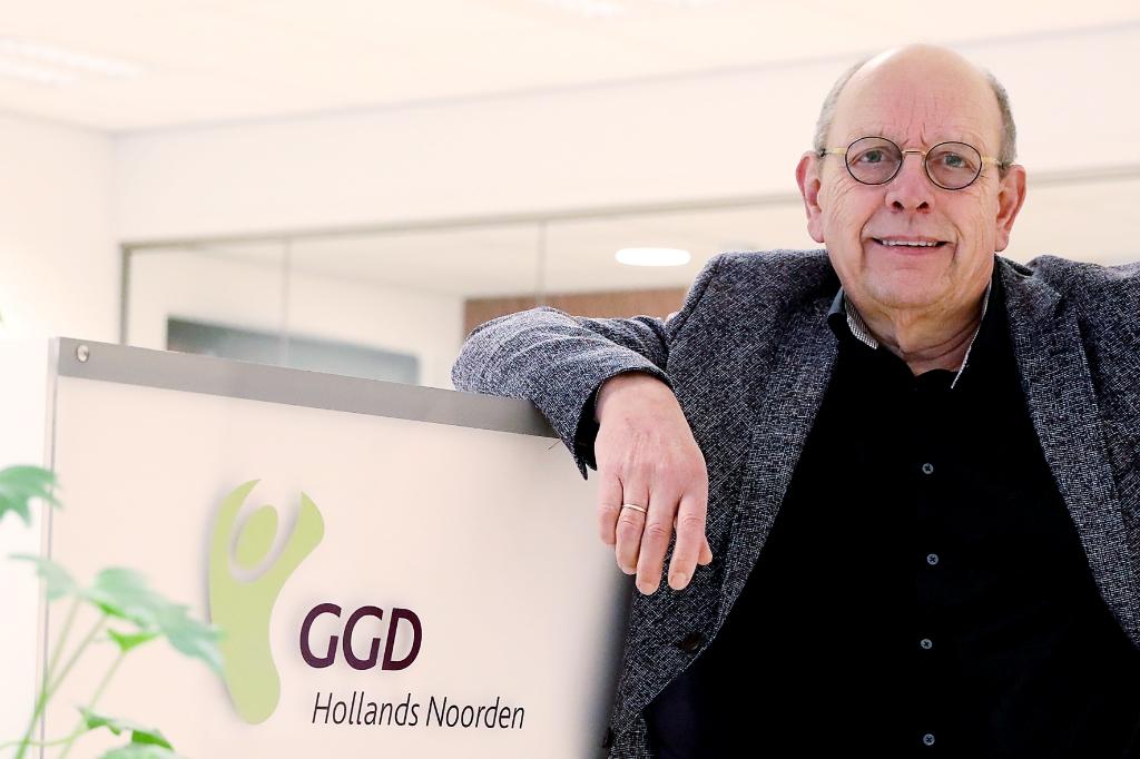 <p>Harry Katstra heeft er vertrouwen in dat iedereen v&oacute;&oacute;r oktober gevaccineerd is. &quot;Organisatorisch gezien is dat voor ons te doen.&quot;&nbsp;</p> <p>Foto: vincentdevriesfoto.nl</p> © rodi