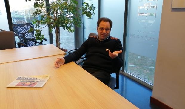 """<p>Edwin Stokvis: """"Het Kompas wordt in Oostzaan gespeld.""""</p>"""