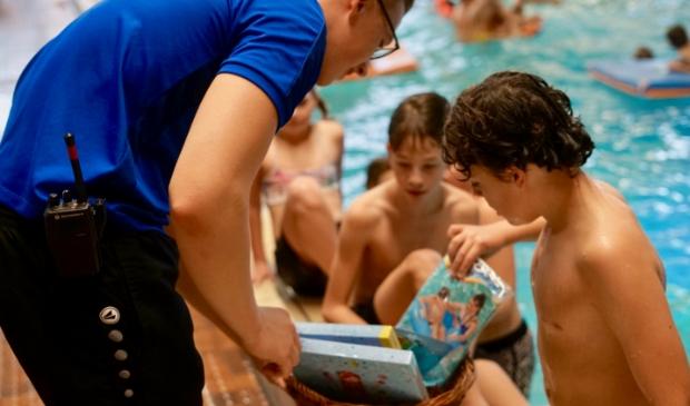 <p>Vier de herfstvakantie in zwembad Hoornse Vaart.</p>