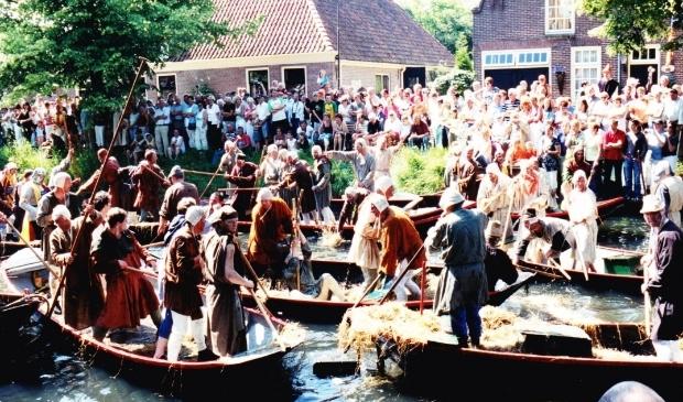 <p>De inval van de Broekers, het spel werd opgevoerd ter gelegenheid van het 650-jarig bestaan van Enkhuizen.<br><br></p>