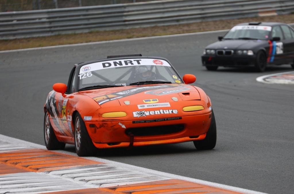 De Mazda haalt maximaal 180 kilometer per uur. (Foto: aangeleverd) © rodi