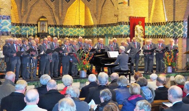<p>Regiomannenkoor Die Gouwe Sanghers uit Boskoop is met spoed op zoek naar een nieuwe dirigent. </p>