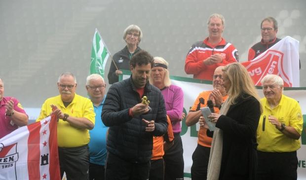 <p>Johan Annema is verrast met zijn onderscheiding.</p>
