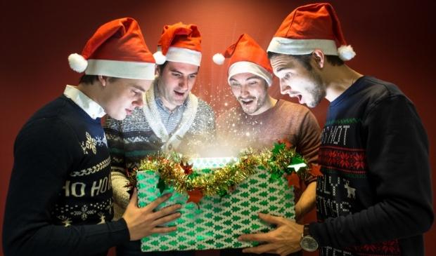 <p>Het duurt nog even voor het Kerstmis is, maar Rocking Up X-Mas Heerhugowaard is al druk bezig met de voorbereidingen. &#39;Een kerstpakket geven is bijna nog leuker dan er eentje krijgen.&quot;</p>
