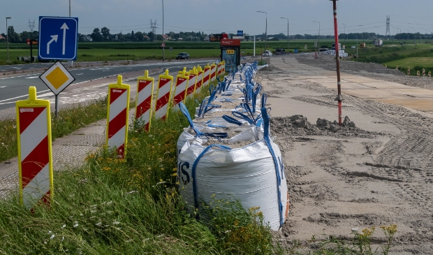 <p>De Provincie kan momenteel niet verder met het werk aan de N247 bij Het Schouw, net ten noorden van Amsterdam.&nbsp;</p>
