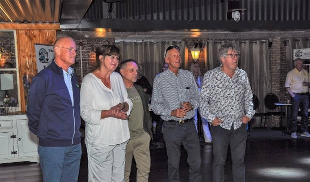 <p>De vijf pensionado&rsquo;s van &rsquo;t Groen: Nico Minnaard, Anne de Koning, Harry Dormans, Jan Geleynse en Harm Hakkoer, tijdens het afscheid in &lsquo;t Prikkewater.</p>