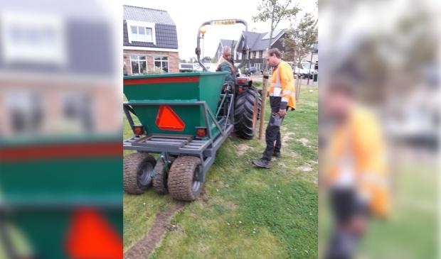 <p>De gemeente is begonnen met het aanleggen van stroken met bollen op grasveldjes tussen woningen. in Limmen en Castricum.</p>