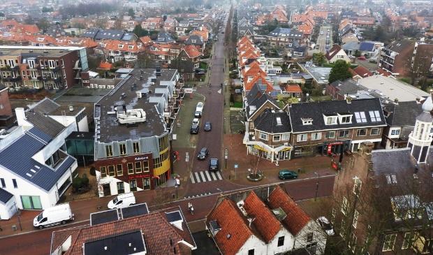 <p>De kruising Torenstraat-Dorpsstraat vanuit vogelperspectief.</p>