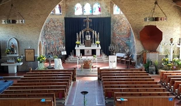 <p>De Bavokerk in Ursem bestaat een eeuw.</p>