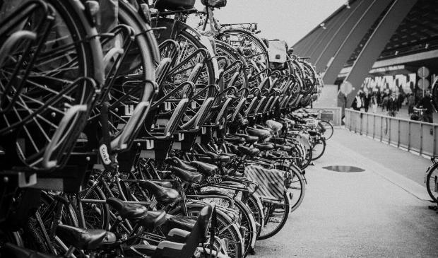 <p>De gemeente Amsterdam stimuleert het fietsen onder ouderen.</p>