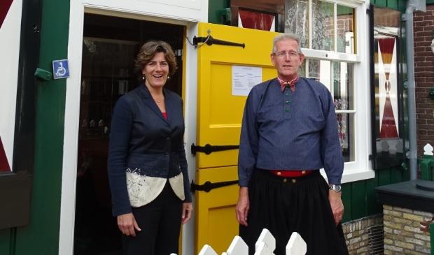 <p>Burgemeester Marian van der Weele bezoekt Marker Museum.</p>