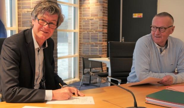 <p>Mans en Van Vliet ondertekening samenwerkingsovereenkomst woningbouwproject Eerste Kwartier.</p>