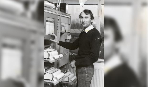 <p>Chiel Uythoven begin jaren '80 werkzaam bij KNMI De Kooy.&nbsp;</p>