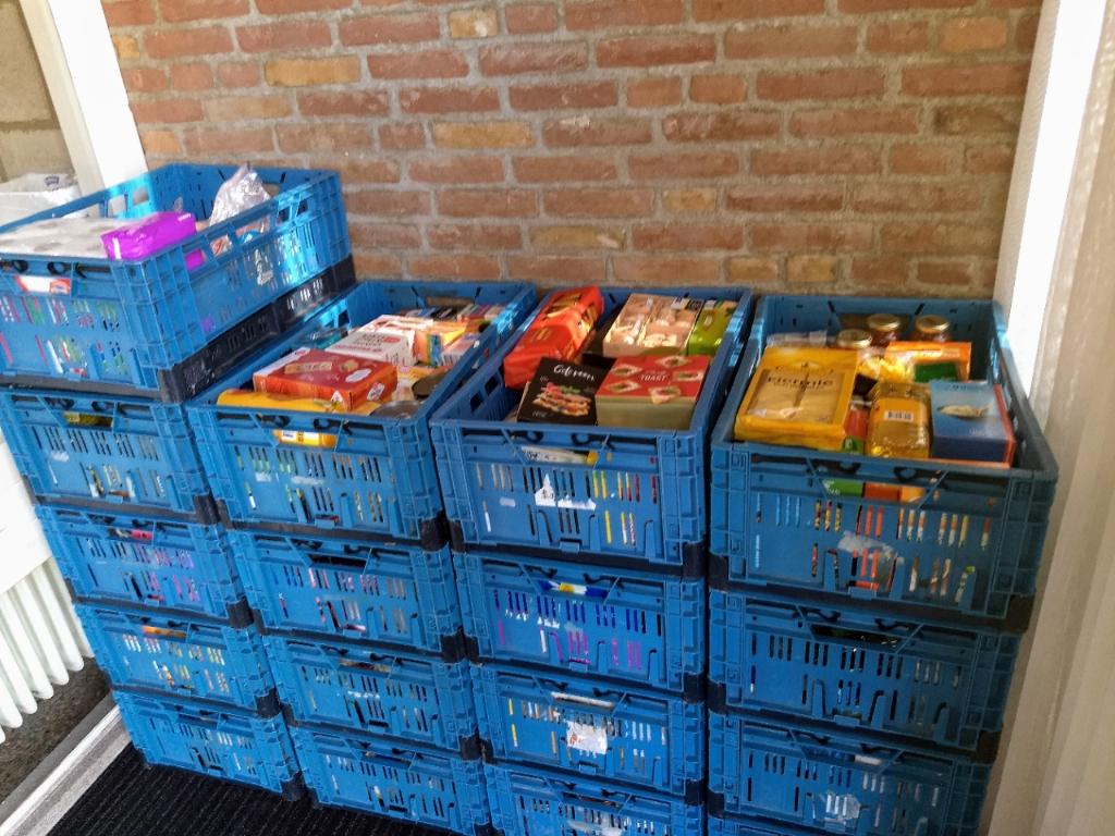 <p>Inwoners van Waterland brachten veel boodschappen en verzorgingsproducten.</p> <p>(Foto: aangeleverd)</p> © rodi