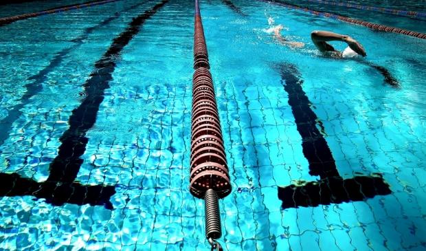 <p>Binnen- en buitenzwembaden maken straks deel uit van het nieuwe sportcomplex.</p>