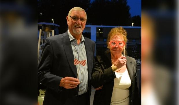 <p>Henk en Cis Mark-B&uuml;ch 60 jaar later.</p>
