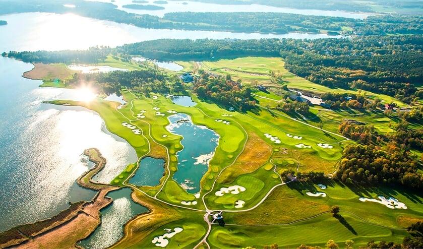 In Zweden liggen de mooiste golfbanen middenin de natuur en de vele meren.