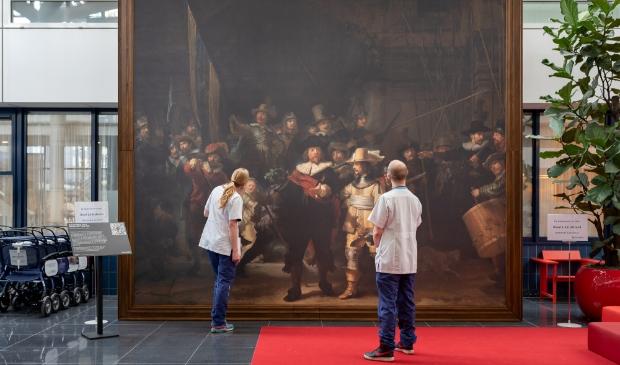 <p>De replica is net zo groot als de echte versie in het Rijksmuseum, vier bij vijf meter. </p>
