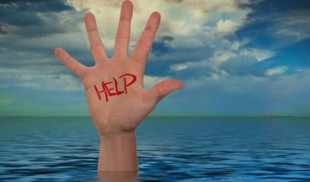 <p>MKB-bedrijven in Uitgeest staat door coronamaatregelen het water aan de lippen. Of zelfs erboven. Ze verdrinken.&nbsp;</p>