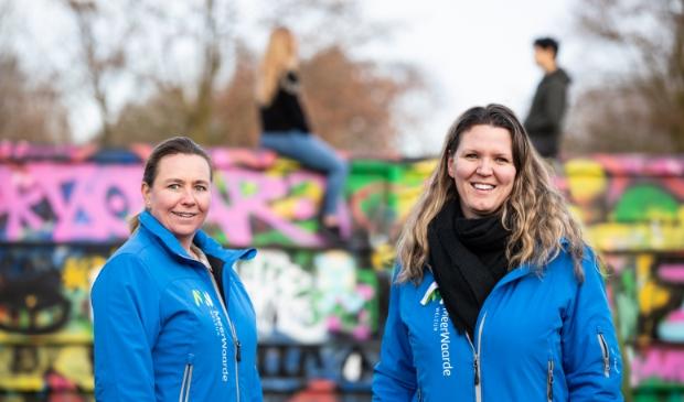 <p>Natascha en Inge van MeerWaarde vragen jongeren uit Haarlemmermeer mee te doen met FriendsOnline.</p>