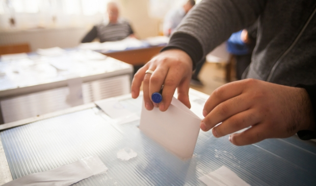 <p>Er kan 24 november op dertien partijen worden gestemd tijdens de gemeenteraadsverkiezingen van Dijk en Waard.</p>