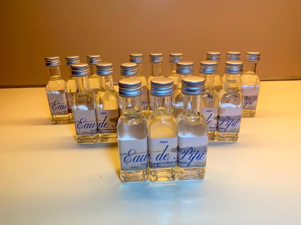 <p>Elk flesje is voorzien van etiket met predicaat &#39;original&#39;</p><p><br></p> <p>(Foto: aangeleverd)</p> © rodi