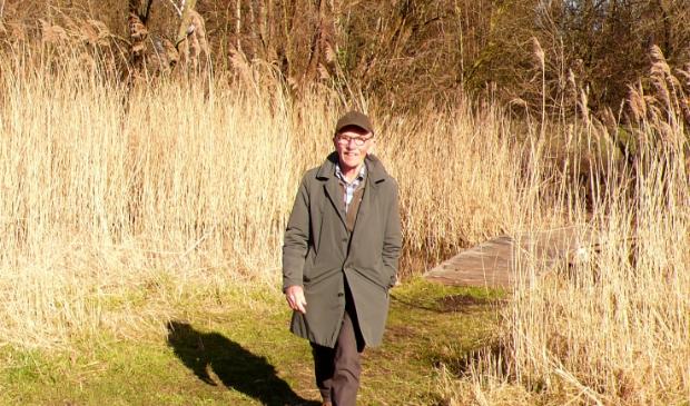 John Jansen van Galen tijdens een van zijn wandeltochten.