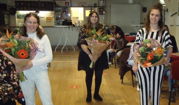 <p>De drie gedecoreerden v.l.n.r. Yvana Pol, Patricia Lopez Correa en Lola Rietdijk.</p>