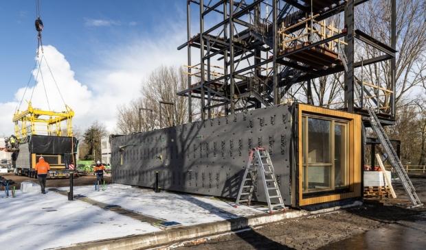 <p>Vandaag zijn vier houtbouw appartementen in project M&rsquo;DAM in Monnickendam aangekomen.&nbsp;</p>