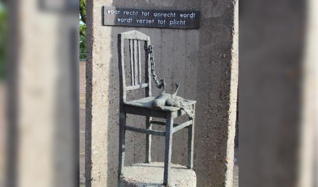 <p>Het oorlogsmonument in Oostzaan</p>
