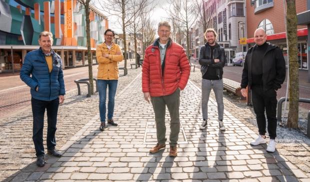 <p>V.l.n.r. Lambert Bruin, Tino Kerdijk, Stef van Amesfoort, Jon Ruigrok en Mark de Graaf.</p>
