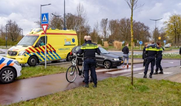 De fietser is naar het ziekenhuis vervoerd.