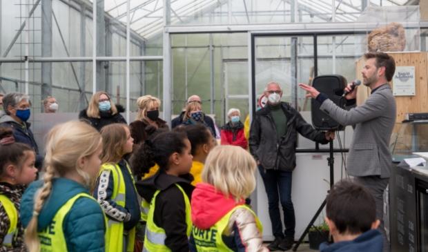 <p>Wethouder Christian Braak opent het nieuwe tuinseizoen van Hortus Alkmaar</p>