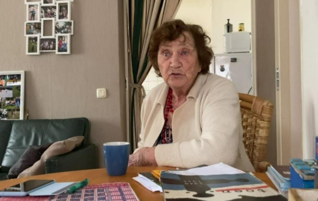 <p>De 88-jarige Lenie Zegers: &quot;Die tijd mag nooit meer voorkomen.&quot;</p>  © rodi