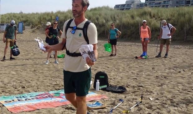<p>Daan bij de beach clean up van 2020.</p>