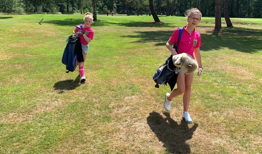 Jeugdgolf op De Gelpenberg. Samen met de Joost Luiten Foundation maakt de baan zich sterk voor promotie van de golfsport bij de jeugd van Coevorden.