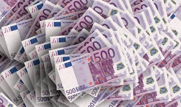 <p>Het Antoni van van Leeuwenhoek, Amsterdam UMC en Sanquin verdelen samen 10,8 miljoen euro. </p>