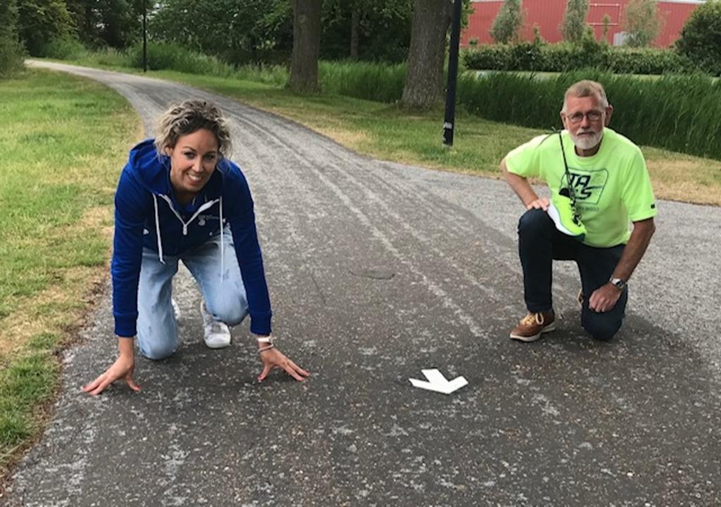 De Schager Wijkenloop-weken gaan over de in 2020 geopende Beweegroutes door alle zes wijken in Schagen. Een initiatief van Co Wiskerke van TAS82 en Monique de Vries van Team Sportservice. (Foto: foto: Team Sportservice) © rodi